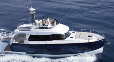 44ft_09in_13.63m_Azimut_Magellano_43