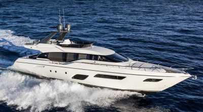 70ft_09in_21.58m_Ferretti_700