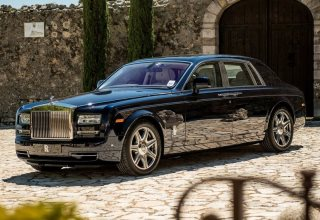 Rolls-Royce_Phantom