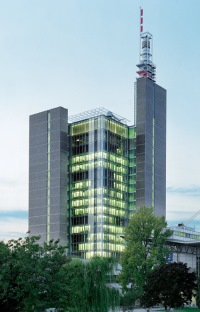 1999_Deutsche_Messe_Tower