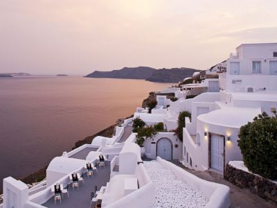 greece_santorini_canaves