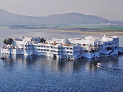 india_udaipur_taj_lake_palace