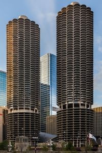 1967_Marina City Chicago Bertrand Goldberg