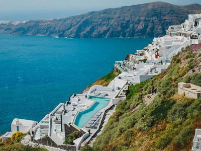 Greece_Santorini_Grace